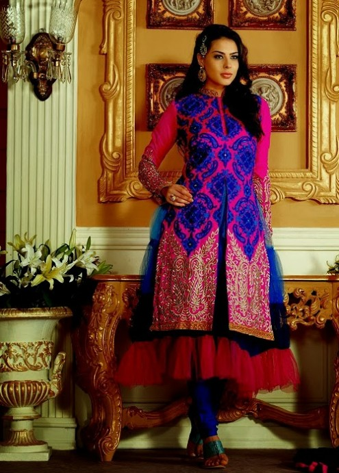 Sonali Bendre In Bollywood Anarkali Suits (6)