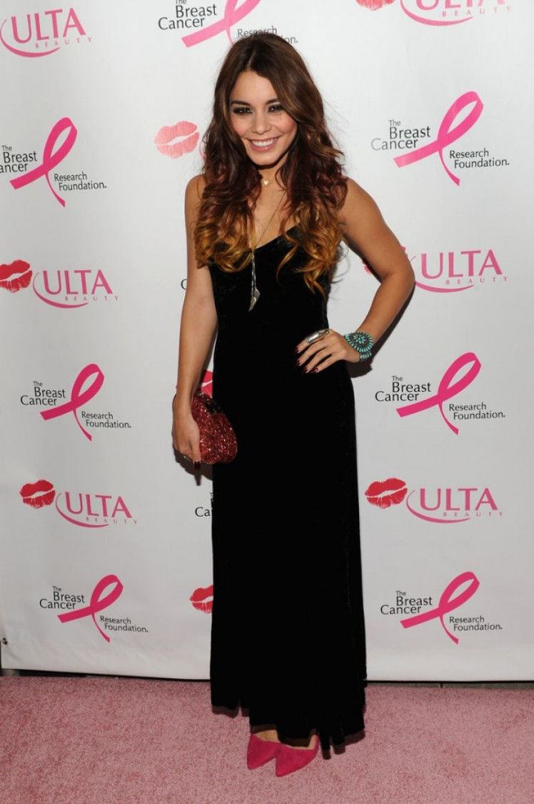 Vanessa-Hudgens-at-2013-Ulta-Beauty-Donate-with-a-Kiss-Event-in-Newyork-Pictures-9