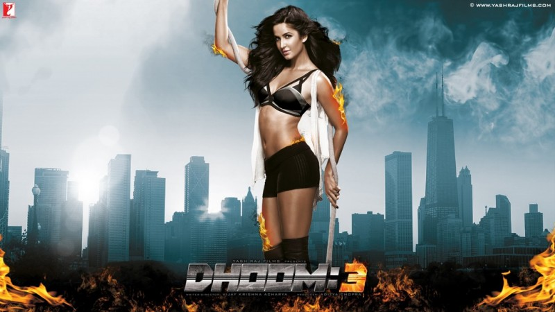 Aamir-Khan-Katrina-Kaif-Abhishek-Indian-Bollywood-Movie-Dhoom3-Wallpapers-Picture-1