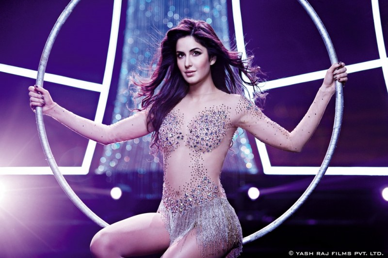 Aamir-Khan-Katrina-Kaif-Abhishek-Indian-Bollywood-Movie-Dhoom3-Wallpapers-Picture-11