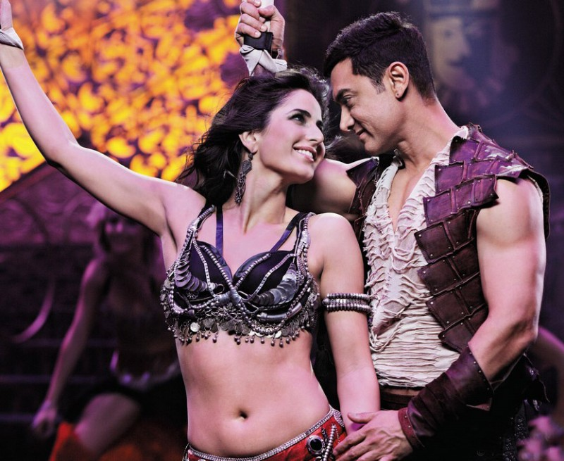Aamir-Khan-Katrina-Kaif-Abhishek-Indian-Bollywood-Movie-Dhoom3-Wallpapers-Picture-13