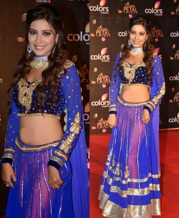 Bridal-Wedding-Wear-New-Fashion-Suit-Styles-at-Madhuri-Colors-Tv-3rd-Golden-Petal-Award-11