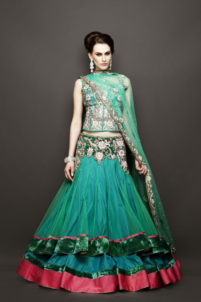 Bridesmaid-Brides-Wedding -Bridal-Gown-Lehenga-Dresses-New-Fashion-Outfits-2