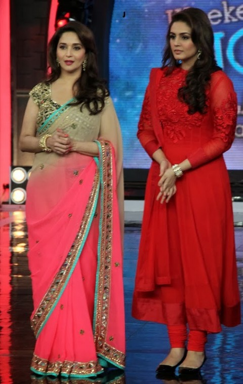 Madhuri-Dixit-Wear-Beautiful-Cute-Pink-Shaded-New-Fashion-Arpita-Mehta-Saree-5