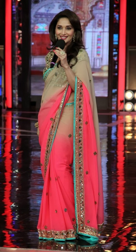 Madhuri-Dixit-Wear-Beautiful-Cute-Pink-Shaded-New-Fashion-Arpita-Mehta-Saree-6