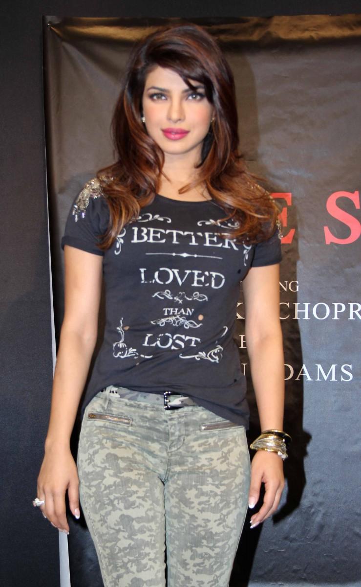 Fashion Amp Style Priyanka Chopra At Campaign New