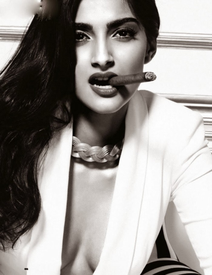 Sonam-Kapoor-at-GQ-Men-of-the-Year-Magazine-Stills-Photo-Pictures-2