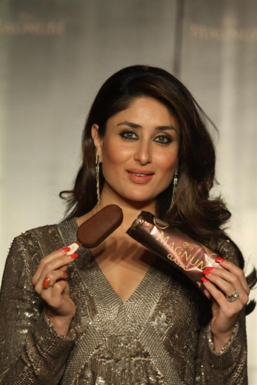 Kareena-Kapoor-Announced-as-Brand-Ambassador-Of-Magnum-Ice-Cream-Photo-Pictures-2