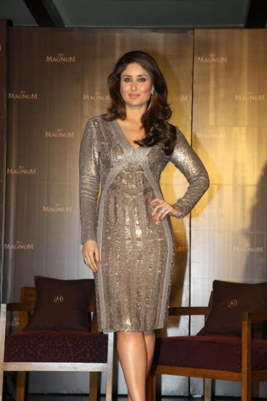 Kareena-Kapoor-Announced-as-Brand-Ambassador-Of-Magnum-Ice-Cream-Photo-Pictures-7