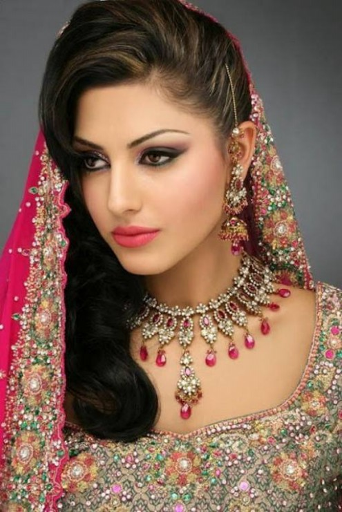 Wedding-Bridal-Pakistani-Indian-New-Fashion-Hair-Cuts-Style-for-Womens-Girl-5