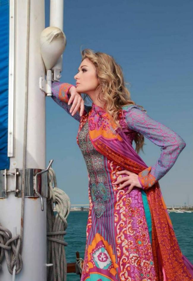 Girls-Womens-Wear-Beautiful-New-Fashion-Lawn-Suits-Feminine-Catalogue-By-Shariq-Textile-3