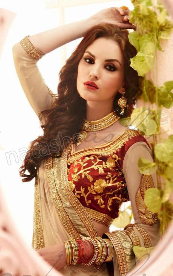New-Fashion-Outfits-Bridals-Wedding-Brides-Wear-Lehenga-Choli-Sarees-Dress-by-Natasha-Couture-14