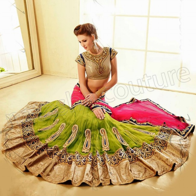 New-Fashion-Outfits-Bridals-Wedding-Brides-Wear-Lehenga-Choli-Sarees-Dress-by-Natasha-Couture-