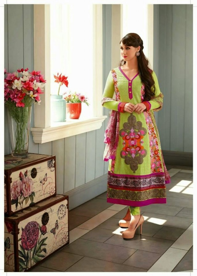 Shalwar-Kameez-Dress-Designs-Pakistani-Indian-New-Fashion-Girls-Women-Best-Salwar-Kamiz-1