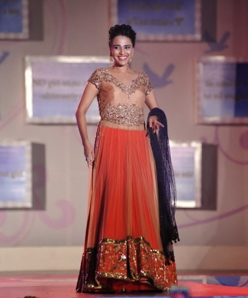 Indian-Bollywood-Celebs-at-Manish-Malohtras-Girls-Child-Outfits-Suits-Latest-Fashion-Show-7