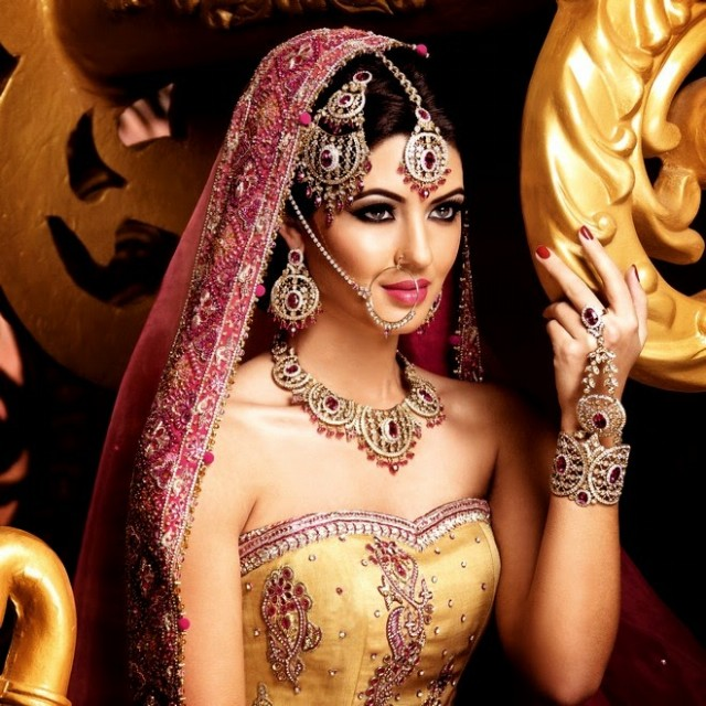 Indian-Bridal-Wedding-Jewellery-Set-Latest-Best-Stylish-Fashion-Collection-for-Brides-by-Kyles-Jewellery-10