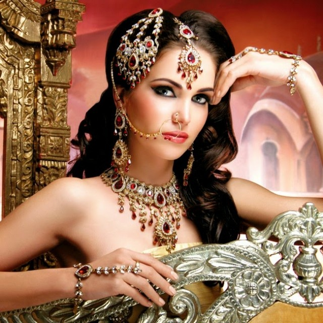Indian-Bridal-Wedding-Jewellery-Set-Latest-Best-Stylish-Fashion-Collection-for-Brides-by-Kyles-Jewellery-3