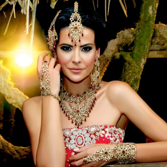 Indian-Bridal-Wedding-Jewellery-Set-Latest-Best-Stylish-Fashion-Collection-for-Brides-by-Kyles-Jewellery-4