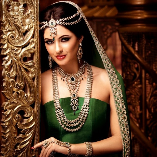 Indian-Bridal-Wedding-Jewellery-Set-Latest-Best-Stylish-Fashion-Collection-for-Brides-by-Kyles-Jewellery-6