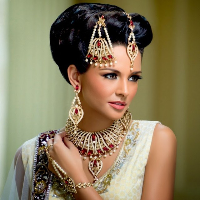 Indian-Bridal-Wedding-Jewellery-Set-Latest-Best-Stylish-Fashion-Collection-for-Brides-by-Kyles-Jewellery-7