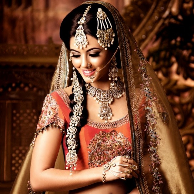 Indian-Bridal-Wedding-Jewellery-Set-Latest-Best-Stylish-Fashion-Collection-for-Brides-by-Kyles-Jewellery-8