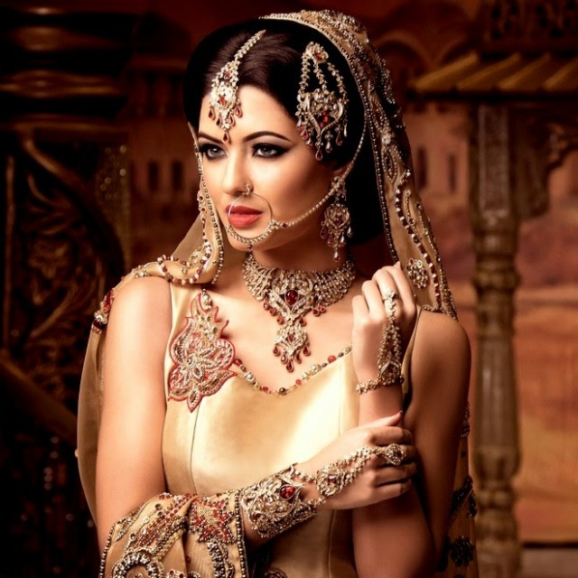 Indian-Bridal-Wedding-Jewellery-Set-Latest-Best-Stylish-Fashion-Collection-for-Brides-by-Kyles-Jewellery-