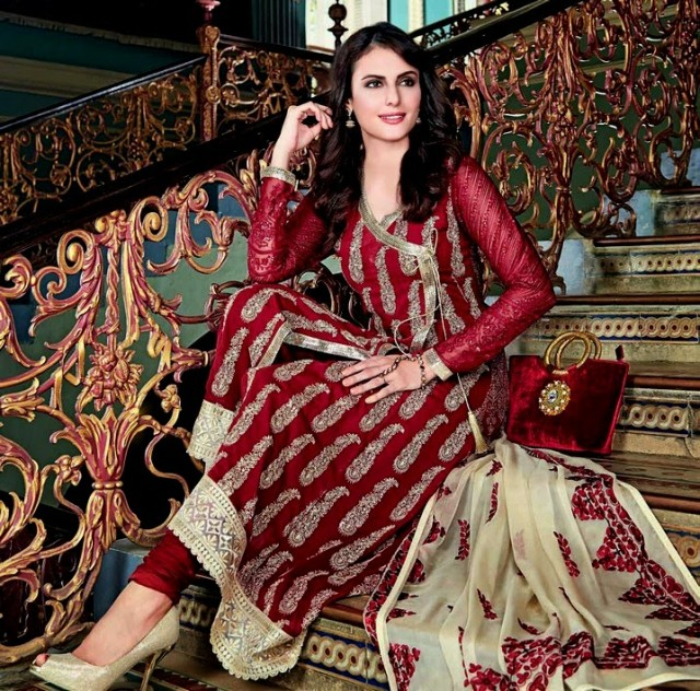 Beautiful-Girls-Women-Wear-New-Fashion-Outfits-Suits-Catalogue-by-Festive-Eid-Gul-Ahmed-1
