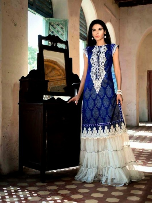 Beautiful-Girls-Women-Wear-New-Fashion-Outfits-Suits-Catalogue-by-Festive-Eid-Gul-Ahmed-9