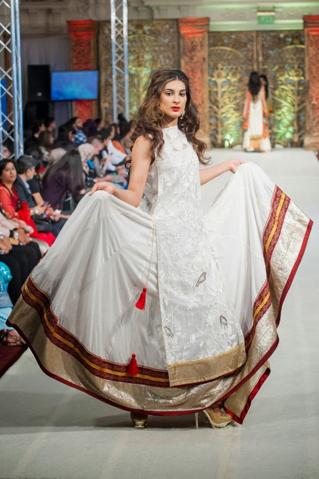 Beautiful-Weddings-Bridal-Dress-of-Asia-London-Fashion-Week-Show-by-Al-Zohaib-3