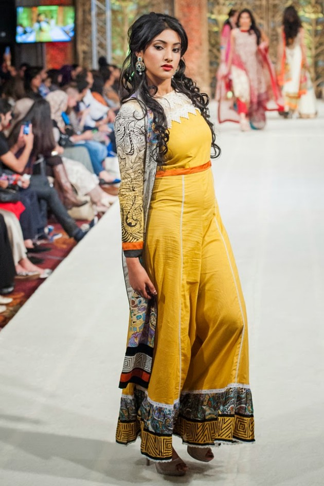 Beautiful-Weddings-Bridal-Dress-of-Asia-London-Fashion-Week-Show-by-Al-Zohaib-4