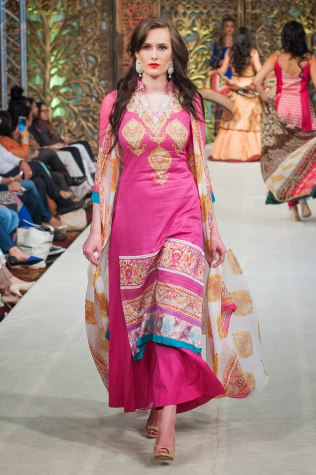 Beautiful-Weddings-Bridal-Dress-of-Asia-London-Fashion-Week-Show-by-Al-Zohaib-7