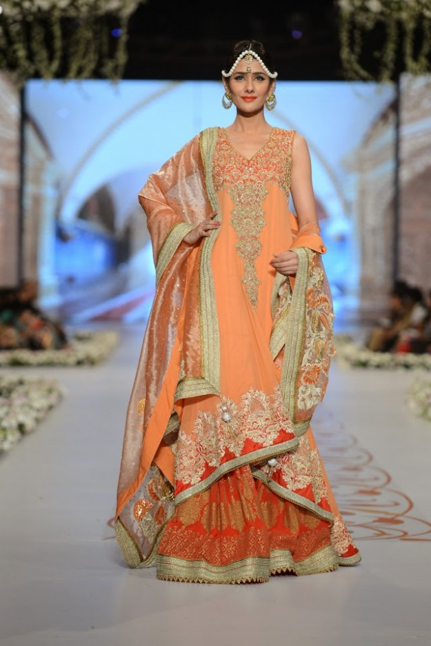 Bridal-Wedding-New-Fashion-Dress-at-PBCW-by-Designer-Deepak-Perwani-1