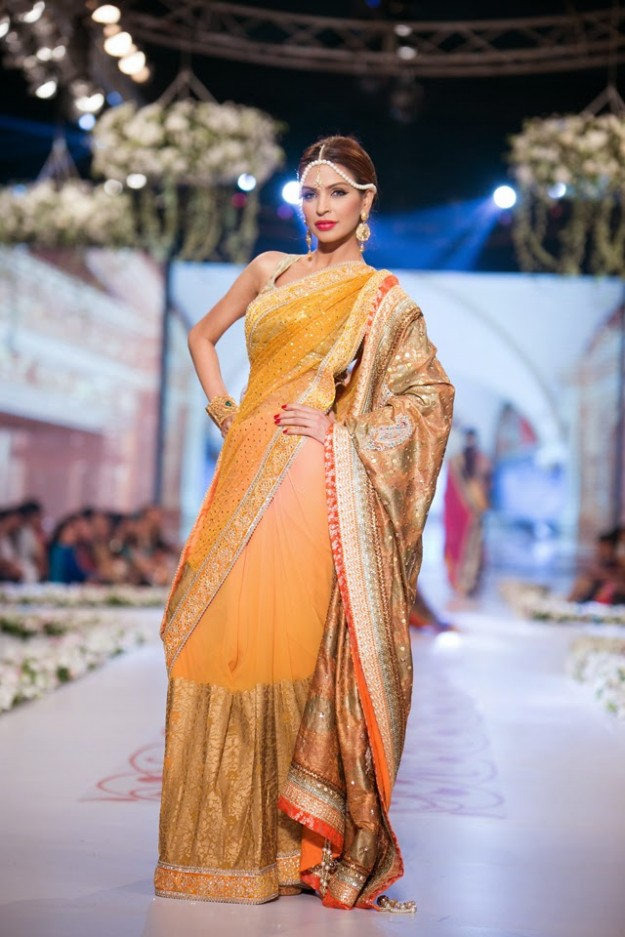 Bridal-Wedding-New-Fashion-Dress-at-PBCW-by-Designer-Deepak-Perwani-10