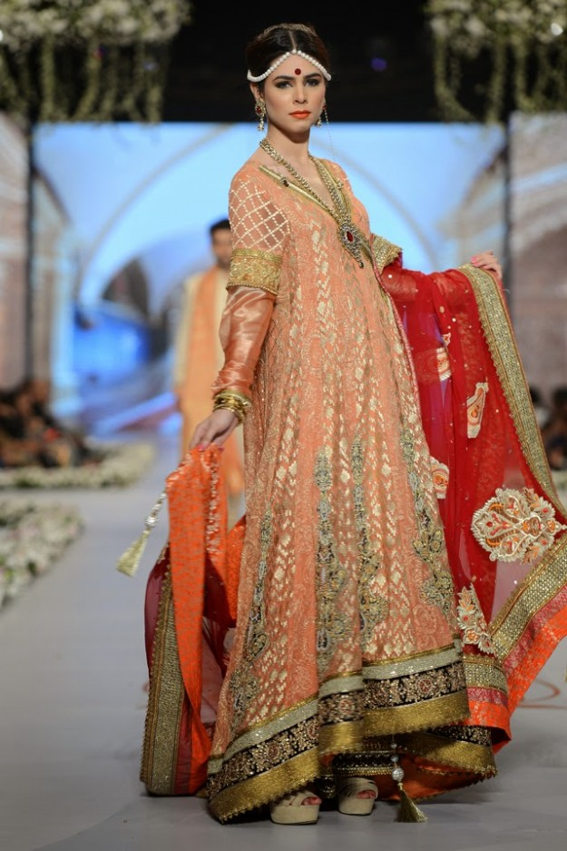 Bridal-Wedding-New-Fashion-Dress-at-PBCW-by-Designer-Deepak-Perwani-2