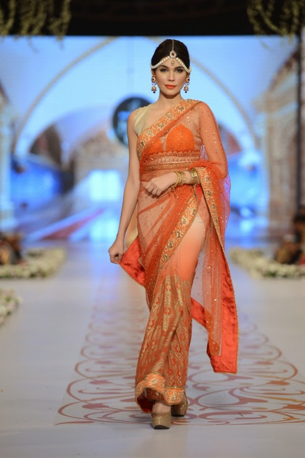Bridal-Wedding-New-Fashion-Dress-at-PBCW-by-Designer-Deepak-Perwani-4