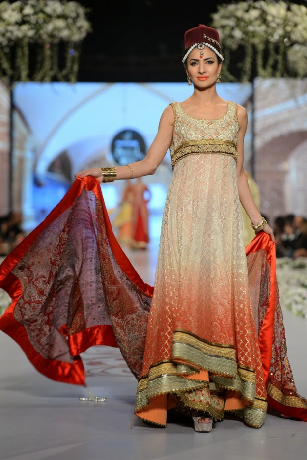 Bridal-Wedding-New-Fashion-Dress-at-PBCW-by-Designer-Deepak-Perwani-