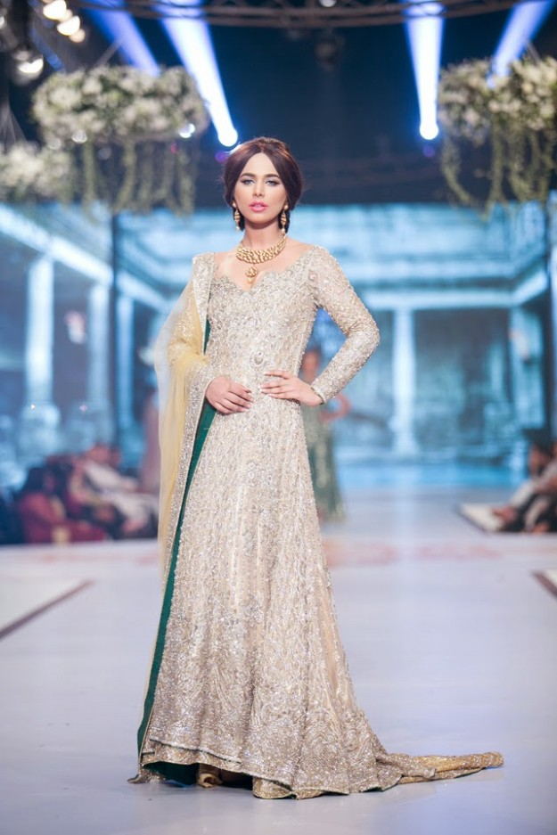 Wedding-Bridal-New-Fashion-Dress-Collection-at-PBCW-by-Designer-Faraz-Manan-1
