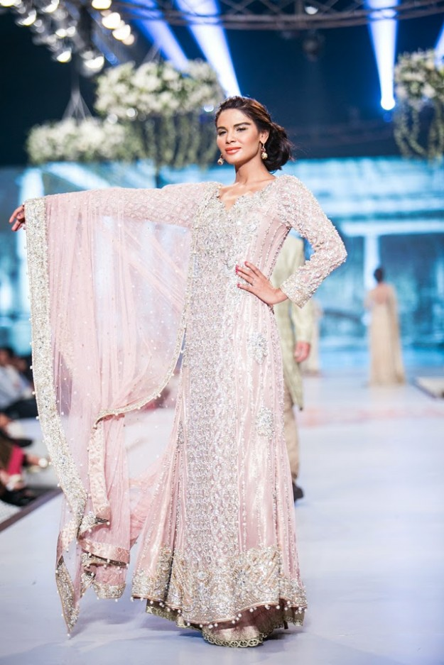 Wedding-Bridal-New-Fashion-Dress-Collection-at-PBCW-by-Designer-Faraz-Manan-3