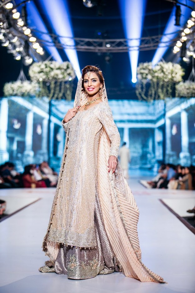 Wedding-Bridal-New-Fashion-Dress-Collection-at-PBCW-by-Designer-Faraz-Manan-4