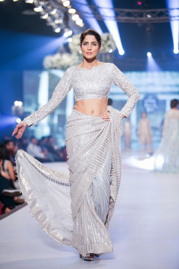 Wedding-Bridal-New-Fashion-Dress-Collection-at-PBCW-by-Designer-Faraz-Manan-5