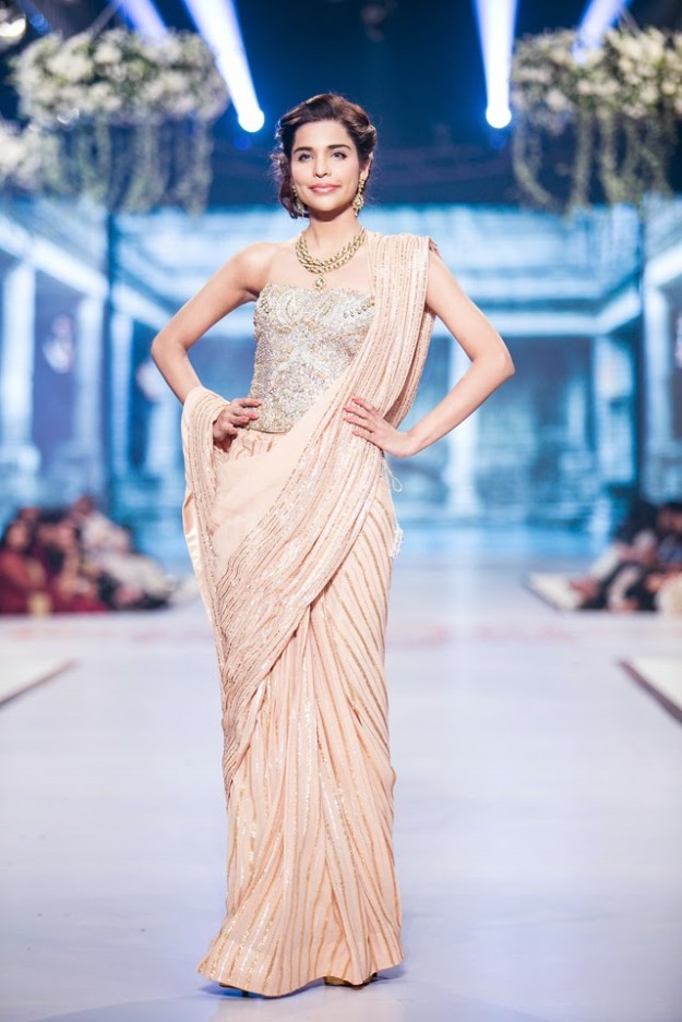 Wedding-Bridal-New-Fashion-Dress-Collection-at-PBCW-by-Designer-Faraz-Manan-9
