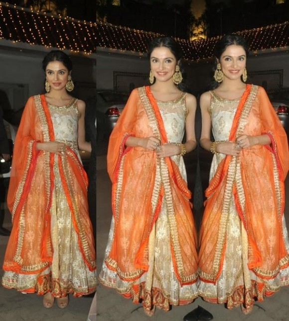 Indian-Bollywood-Celebrities-in-Designers-Anarkali-Frock-Saree-Suits-New-Fashion-Dress-3