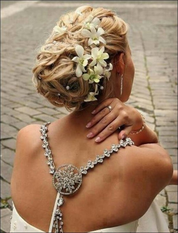 Girls-Women-Stylish-Wedding-Bridal-Hairstyle-for-Brides-Party-Receptions-New-Fashion-10