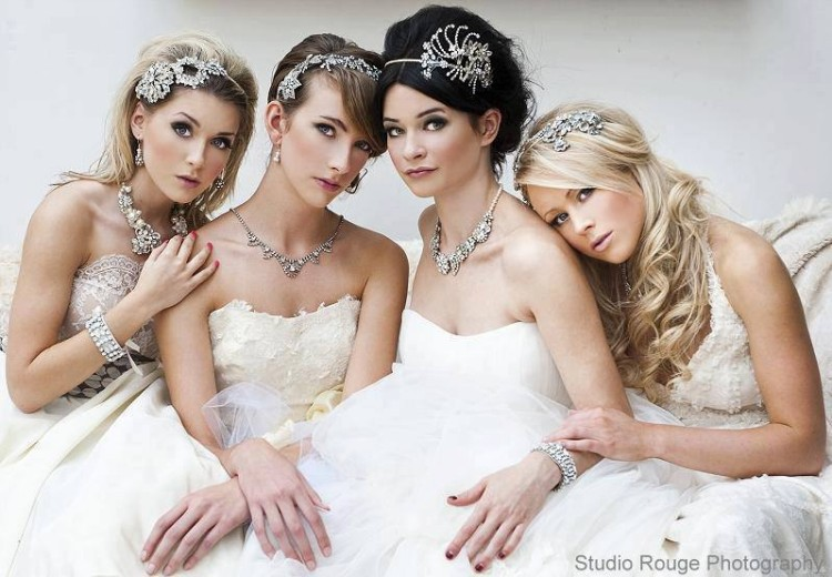 Girls-Women-Stylish-Wedding-Bridal-Hairstyle-for-Brides-Party-Receptions-New-Fashion-