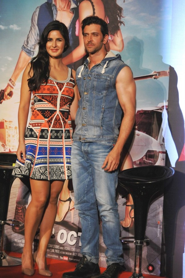 Hrithik-Roshan-Katrina-Kaif-at-Bang-Bang-Title-Song-Launch-Promotion-Photo-Pictures-2