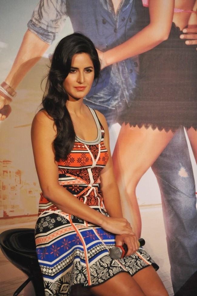 Hrithik-Roshan-Katrina-Kaif-at-Bang-Bang-Title-Song-Launch-Promotion-Photo-Pictures-4