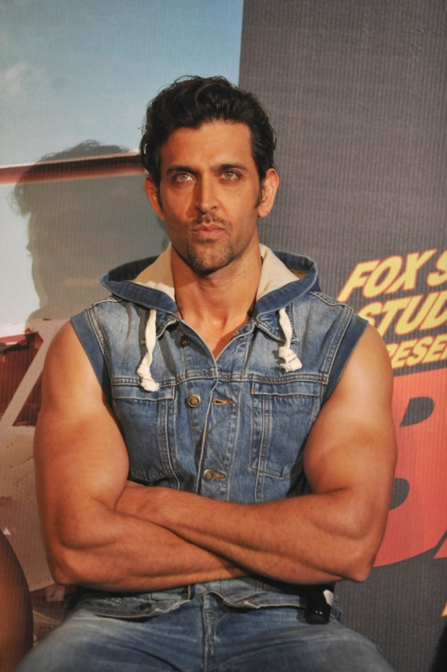 Hrithik-Roshan-Katrina-Kaif-at-Bang-Bang-Title-Song-Launch-Promotion-Photo-Pictures-5
