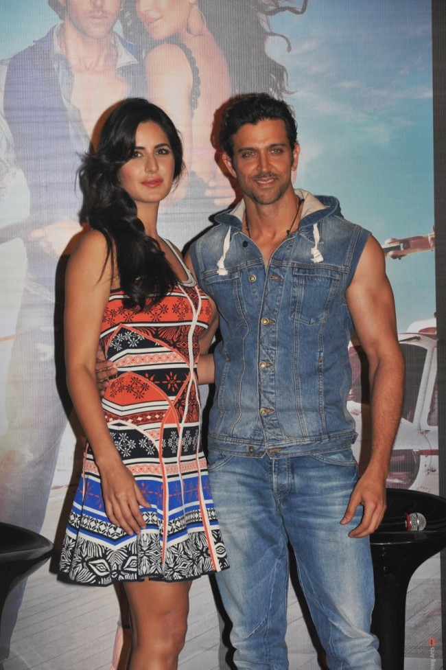 Hrithik-Roshan-Katrina-Kaif-at-Bang-Bang-Title-Song-Launch-Promotion-Photo-Pictures-6