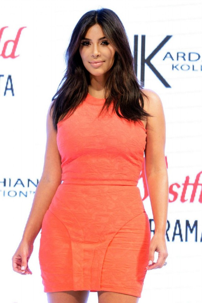 Kim-Kardashian-at-Krdashian-Kollection-Spring-Launch-in-Sydney-Picture-Images-4