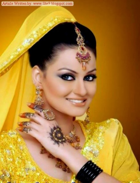 Wedding-Bridal-Hair-Cuts-Style-New-Latest-Fashion-for-Mehndi-Party-Function-3